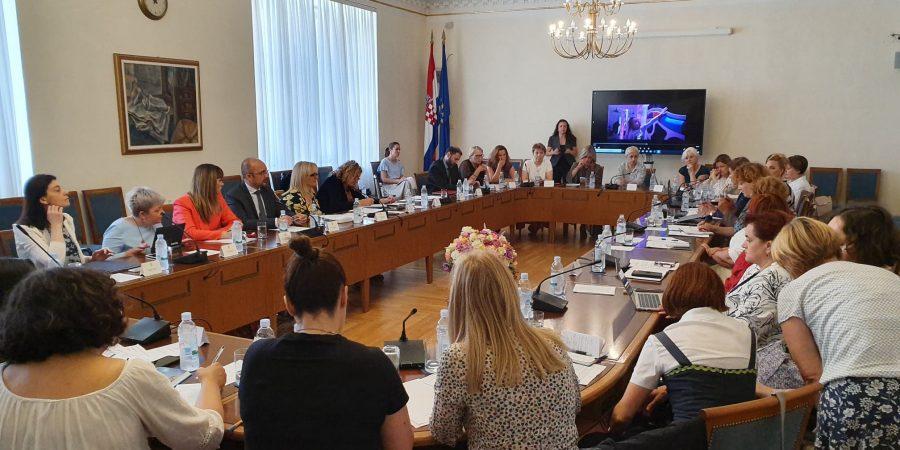 """Održana tematska sjednica """"Kako se nosimo s autizmom u Republici Hrvatskoj"""""""